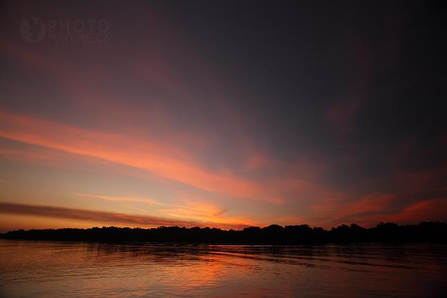 Západ slunce na řece Rio Negro